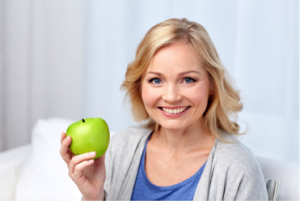 lady-with-apple