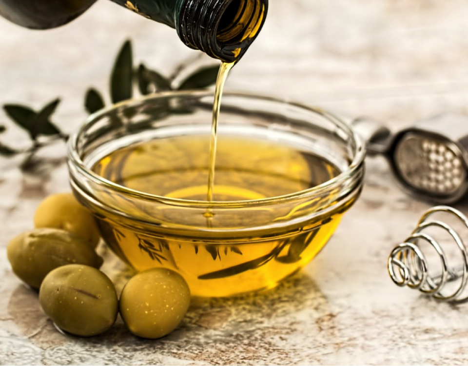 drc-olive-oil-in-bowl