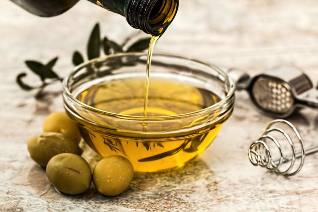 drc-olive-oil-in-bowl