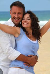 drc-happy-couple-on-beach